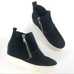 Steve Madden High Top Sneaker Size 6.5M
